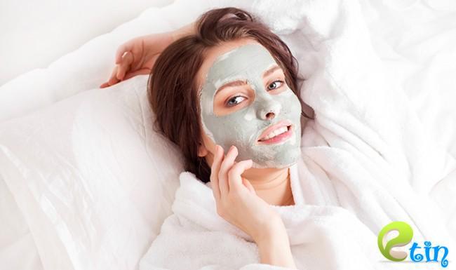 Đắp mặt nạ sau nặn mụn để da nhanh phục hồi