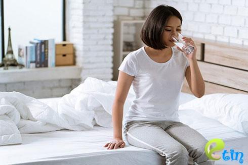 Cách uống nước khoa học của người Nhật cho làn da trắng hồng tự nhiên