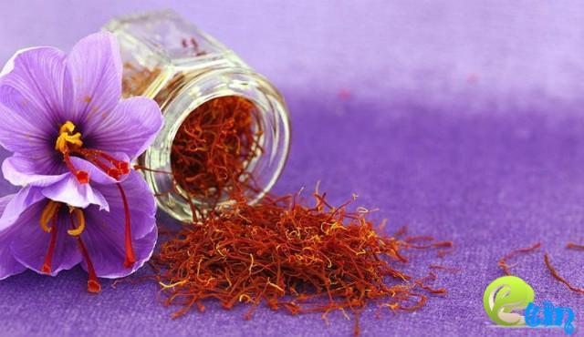 Cách làm trắng da cấp tốc bằng nhụy hoa nghệ tây saffron